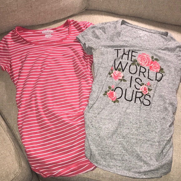 bb1c55f1bf1f8 Great Expectations Tops - 🤰🏼Bundle of 2 short sleeve maternity shirts 🤰🏼